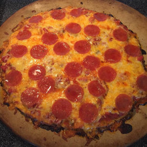 cauliflower-pizza-crust-with-pepperoni-10-10-2016