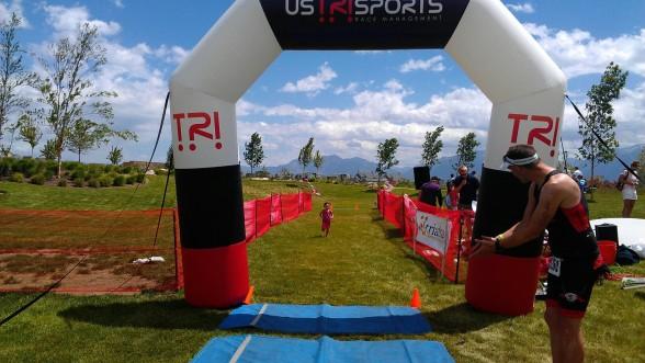 triathlamom finish line little girl